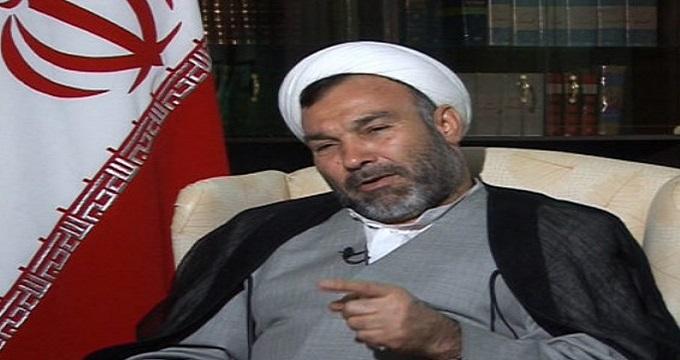 سبحانی نیا: احمدینژاد غیر مستقیم ریشه را میزند