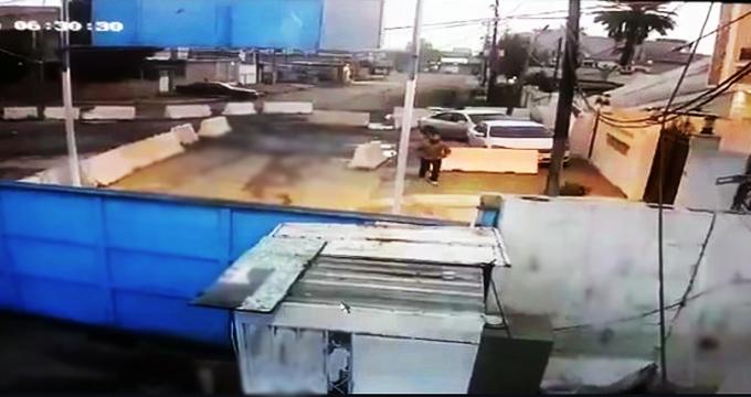 فیلم/ لحظه حمله یکی از نیروهای داعش به مقر حشدالشعبی در شهر کرکوک عراق