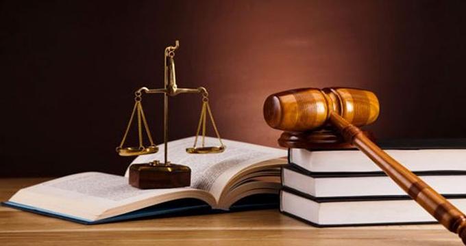 جنجال بازنشسته مجلس که بدون آزمون پروانه وکالت گرفته است