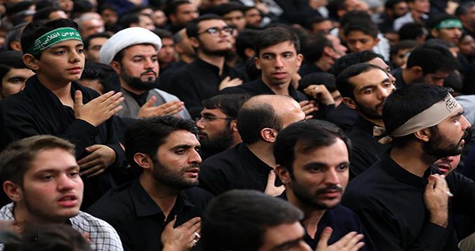 مروری بر مراسم عزاداری هیئتهای دانشجویی در روز اربعین در حسینیه امام خمینی(ره)