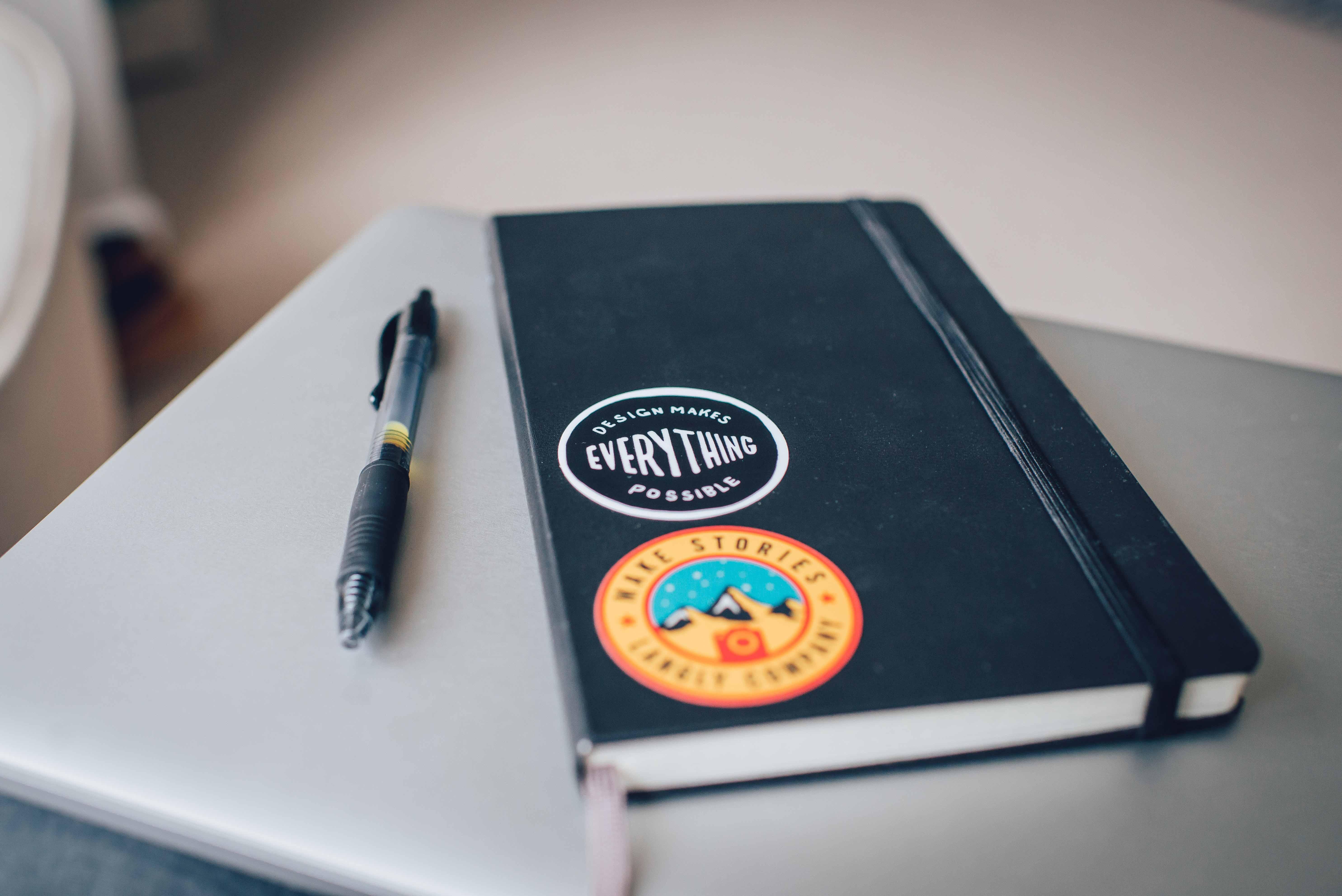 قلم و دفتر