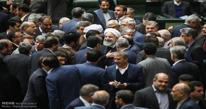«آب کارون» مانع خروج روحانی از مجلس شد!