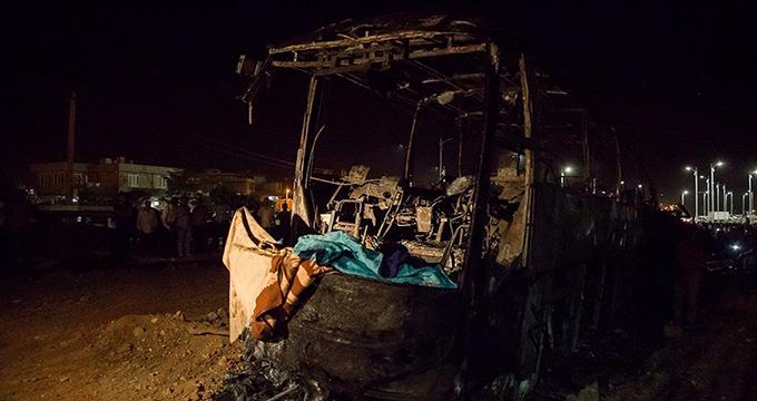 فیلم / ویدئویی دیگر از حادثه مرگبار تصادف تانکر نفت با اتوبوس در سنندج