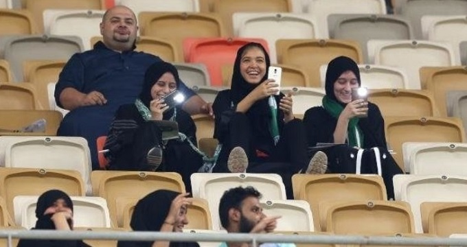 تصاویر اولین ورود بانوان عربستانی به ورزشگاه
