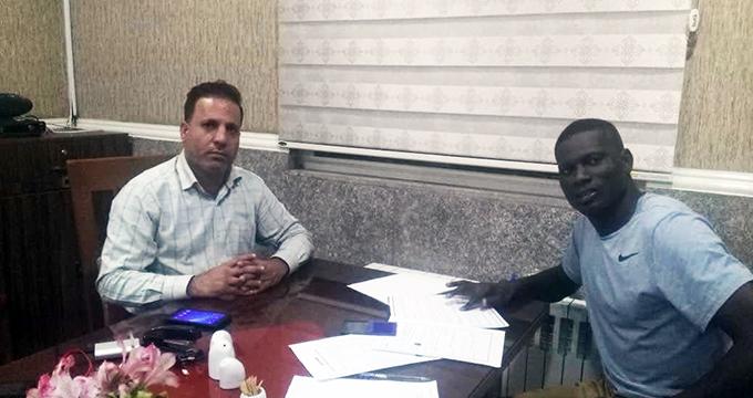 مدافع استقلال خوزستان شاگرد ویسی شد