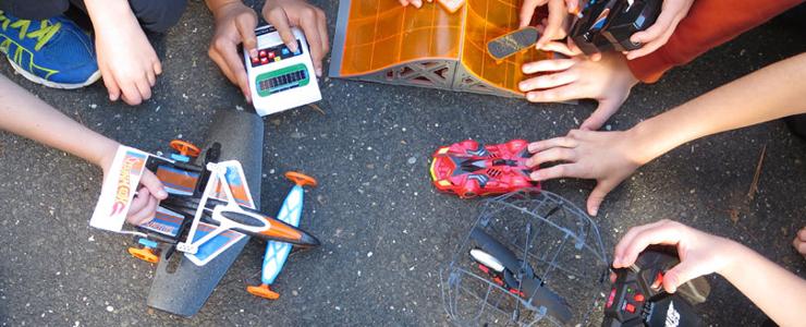 ۶ اسباببازی از دنیای فناوری که بازی کردن را به یاد گرفتن تبدیل میکنند
