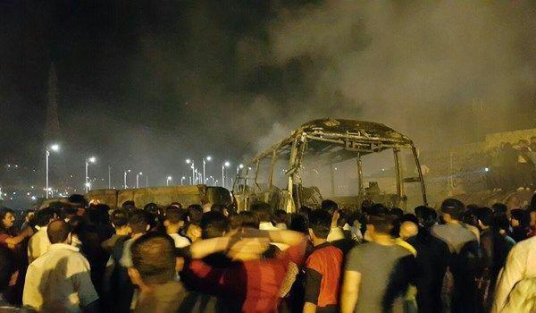 تصادف اتوبوس با تانکر نفت؛ 15نفر جان باختند