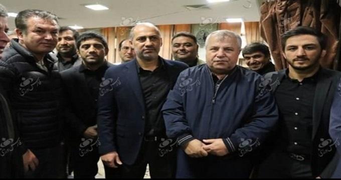 حضور سلطان و استیلی به همراه شهردار سابق تهران در مراسم ختم پدر علیرضا دبیر