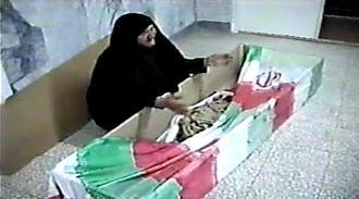 وداع شهید علیرضا رمضانی با مادر خود پس از 19 سال