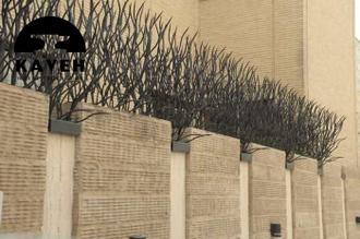 نصب حفاظ روی لقاز دیوار