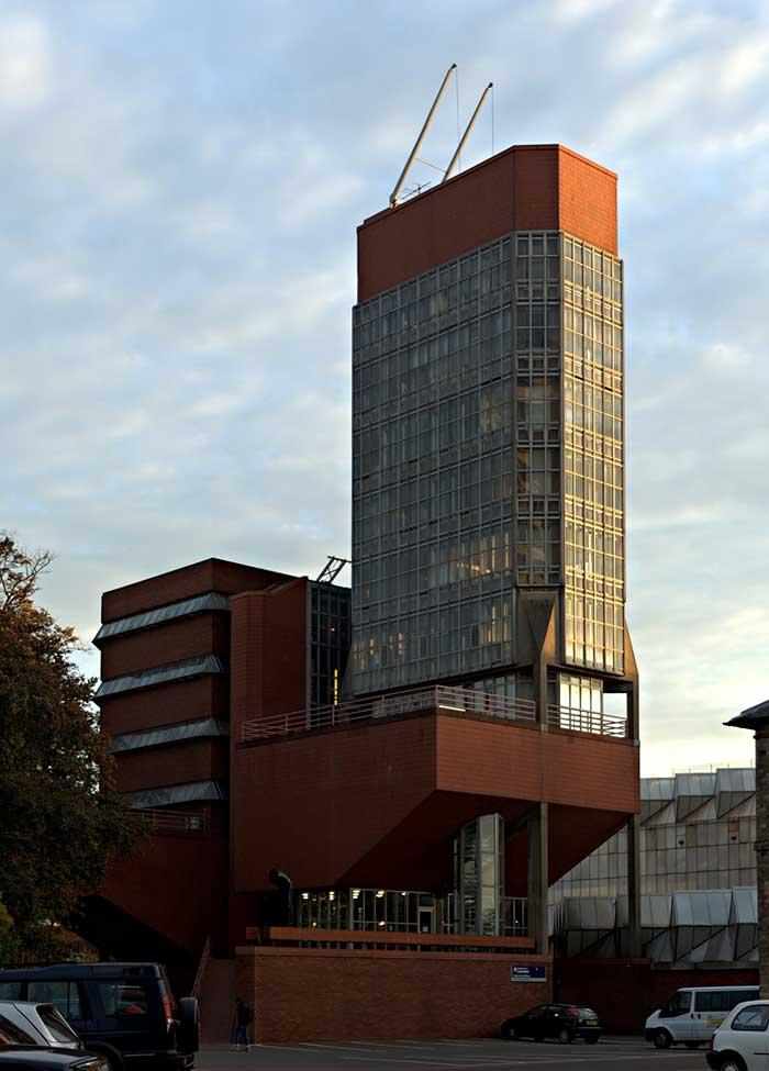 ساختمان مهندسی دانشگاه لیسستر