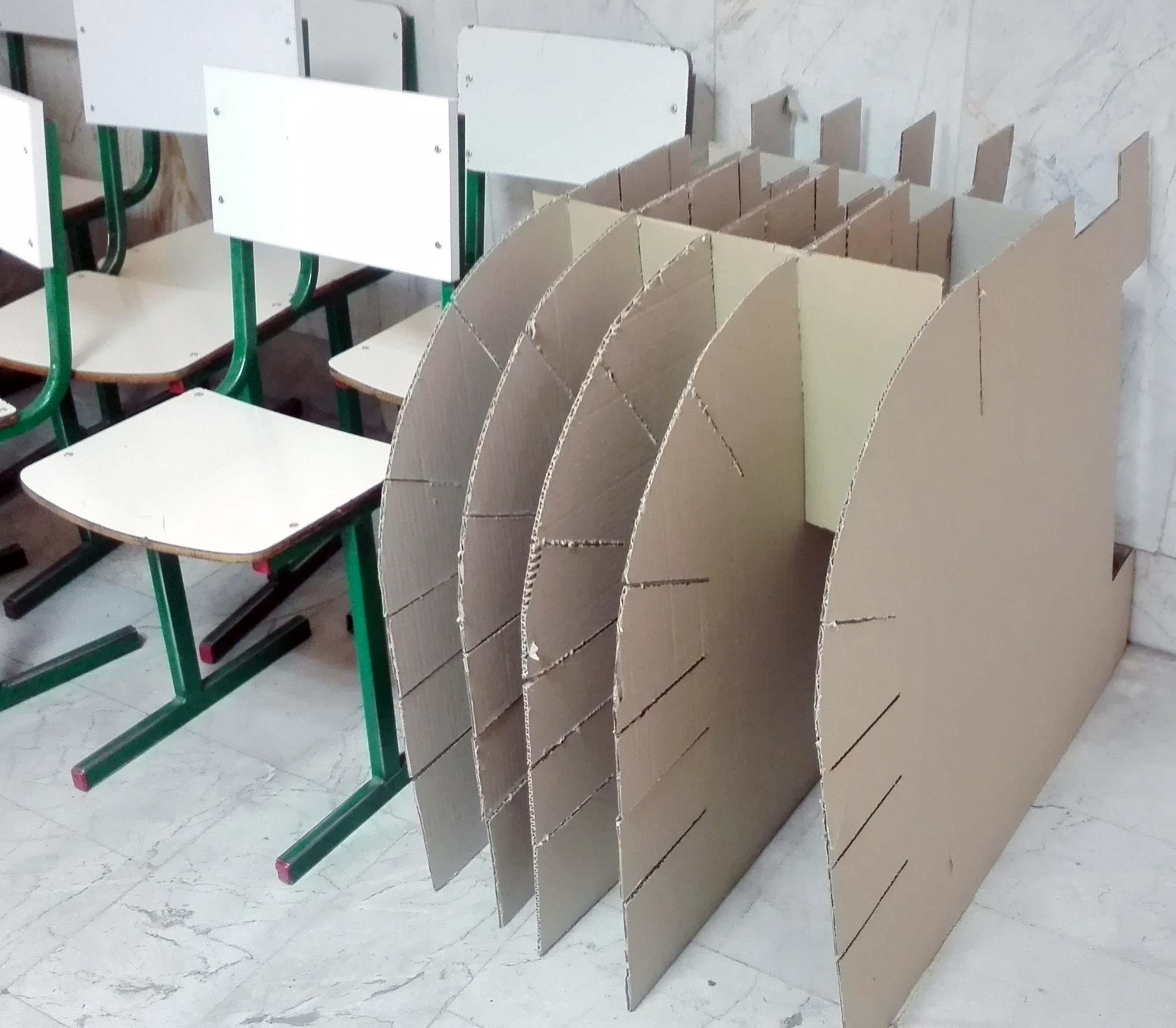 صندلی دستی کاغذی