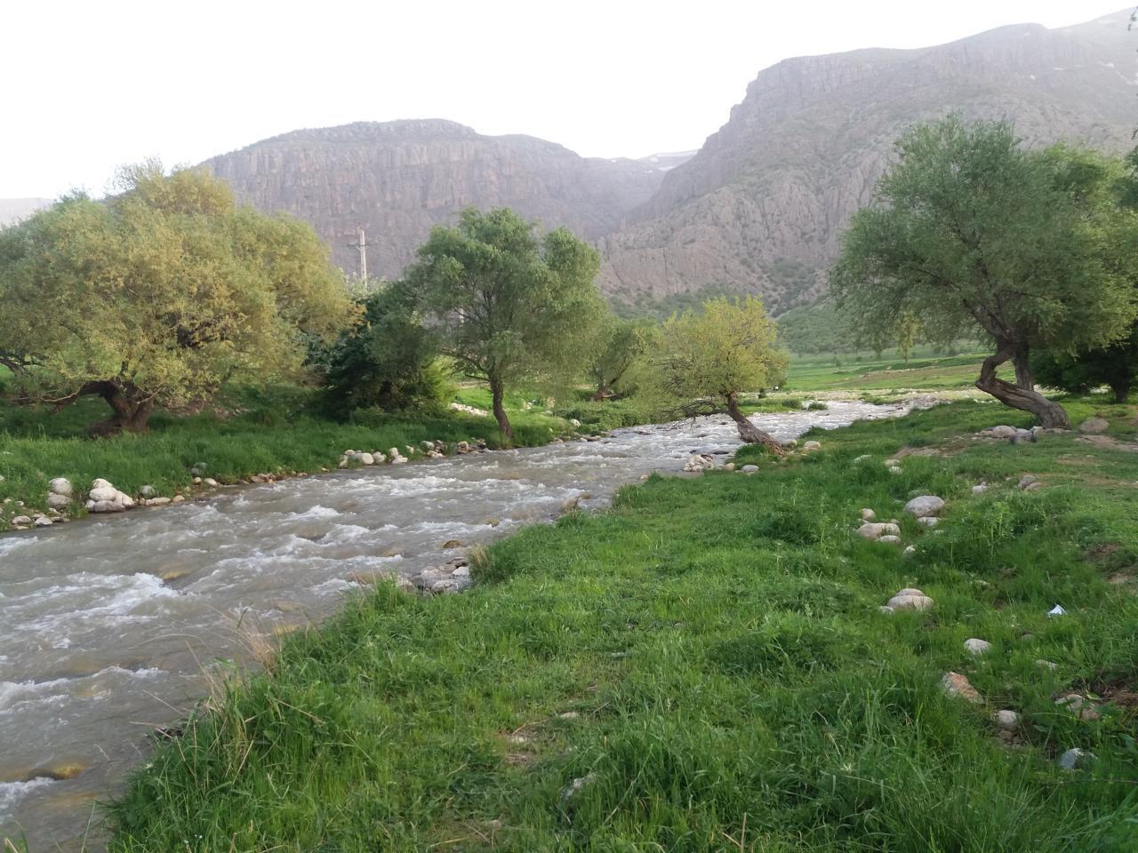 طبیعت بهاری رودخانه دره اسپر دورود