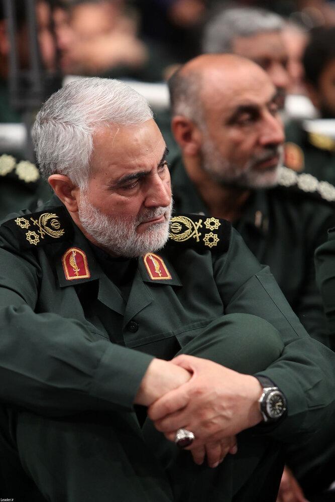 عکس های سردار سلیمانی با لباس نظامی