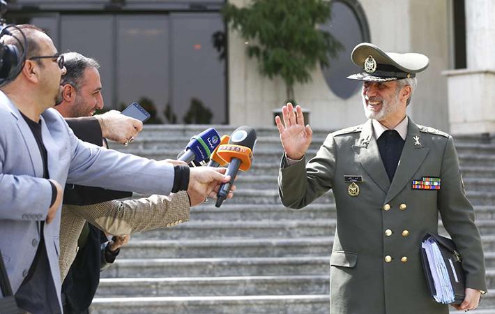 اعضای کابینه دولت پاسخگوی خبرنگاران شدند