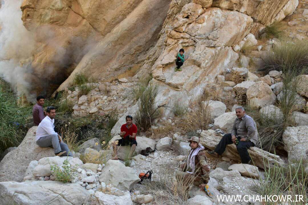 http://bayanbox.ir/view/1854771731118132861/Paksazi-Cheshmeh-Aab-KharzahreDan-8.jpg