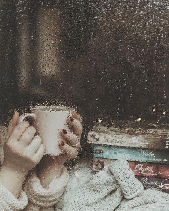 عکس فنجان چایی در پاییز با کیفیت خوب برای پروفایل تلگرام