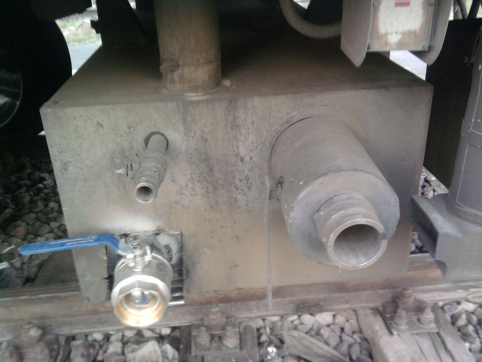 شیر تخلیه کن فاضلاب قطار