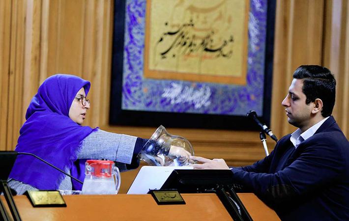 انتخاب شهردار جدید تهران در شورای شهر به رای گذاشته شد