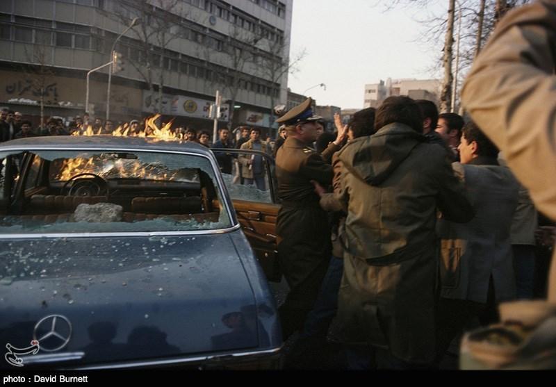 تظاهرات علیه دست نشانده ها و مترسک های شاهی