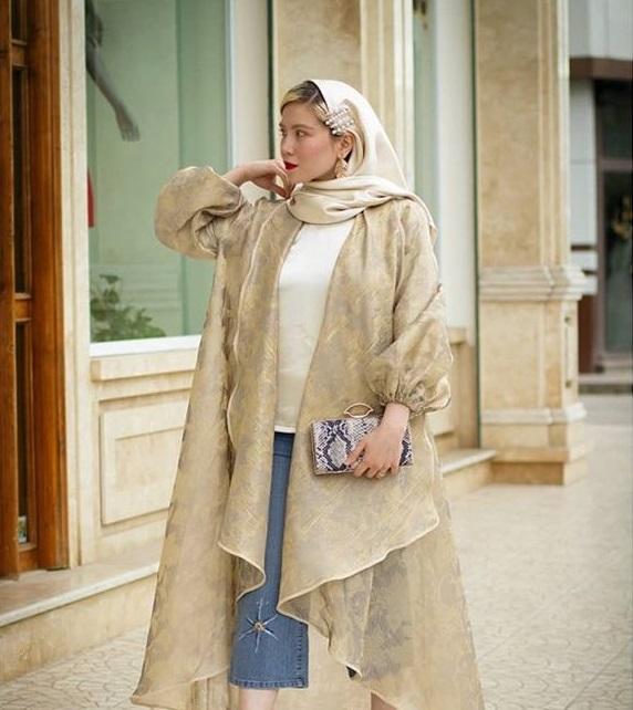 مدل مانتو ارگانزا با یقه پهن و آستین مچ دار