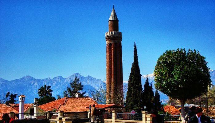 مسجد ایولی مناره