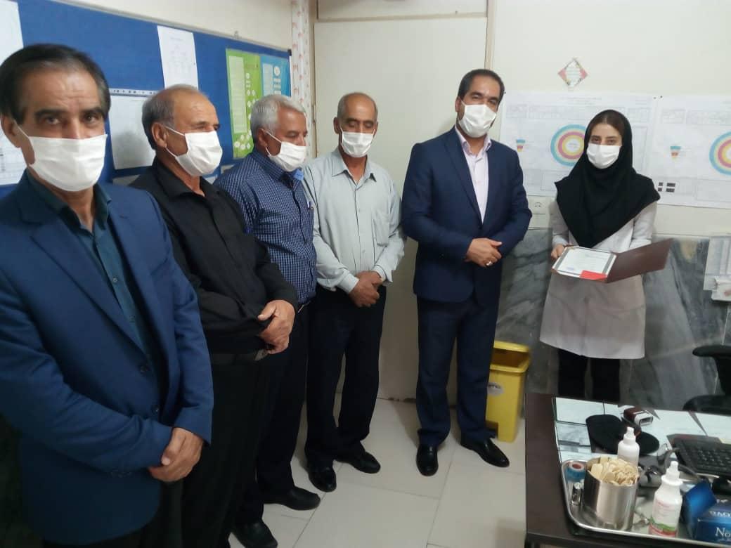 تقدیر و تشکر شهردار و اعضای شورای اسلامی شهر از سرکار خانم دکتر ابراهیمی به مناسبت روز پزشک