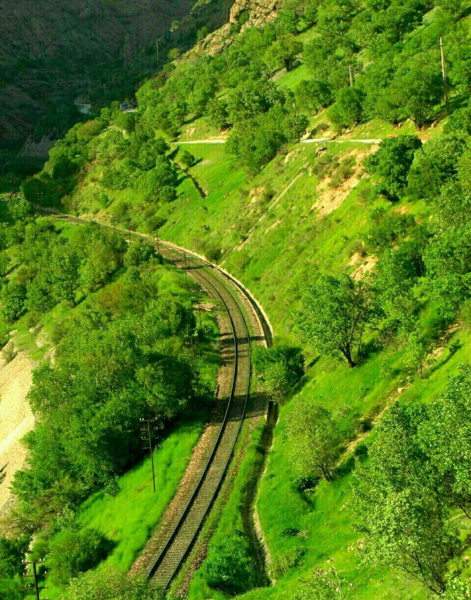طبیعت لرستان و راه آهن
