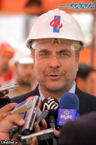 مراسم تکمیل عملیات نصب قطعات بتنی عرشه اصلی بزرگراه شهید صدر