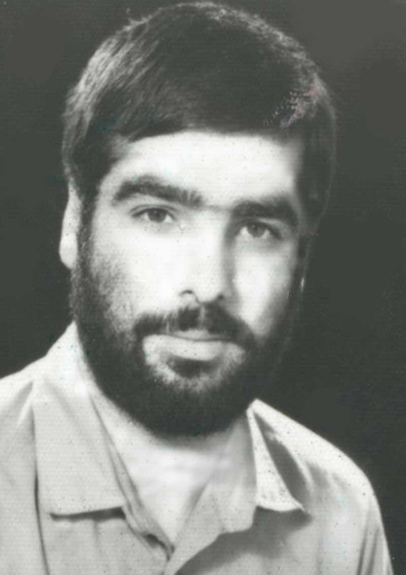 زیارت مزار شهیدصادقی-محمد