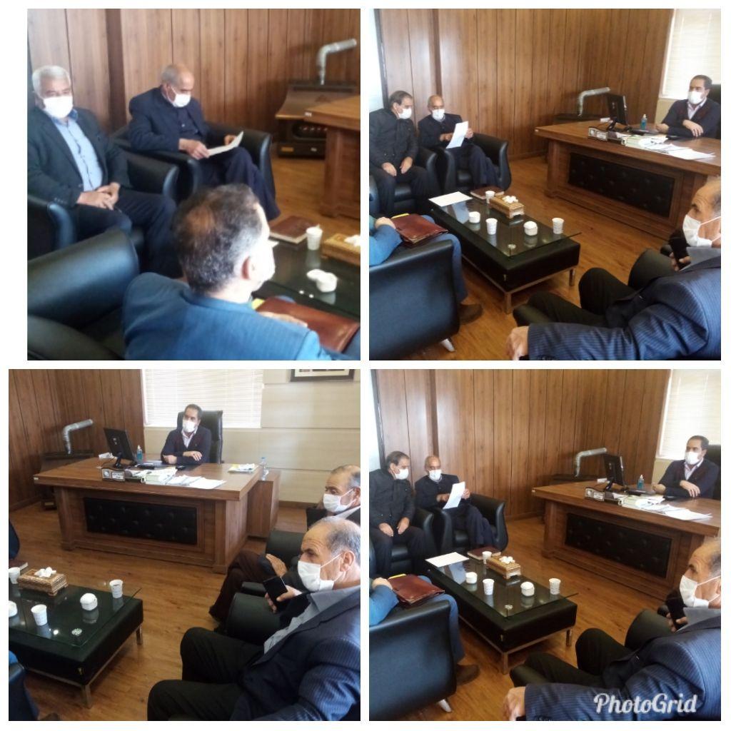 جلسه ساماندهی و تنظیم پروتکل اجرایی بنگاههای املاک شهر وزوان با حضور شهردار، اعضای شورای شهر و مشاورین املاک شهروزوان