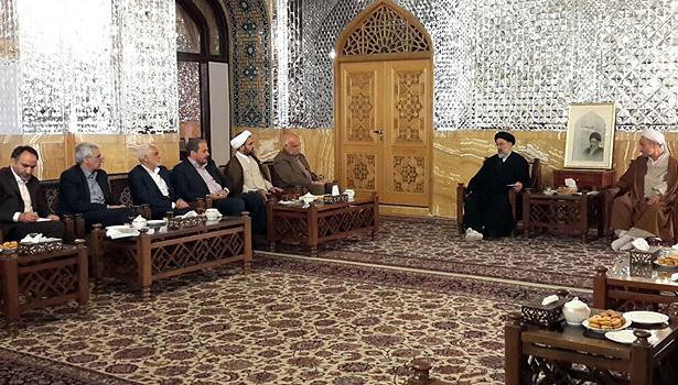 معاونان و مشاوران آستان قدس رضوی با حجت الاسلام و المسلمین رئیسی دیدار کردند