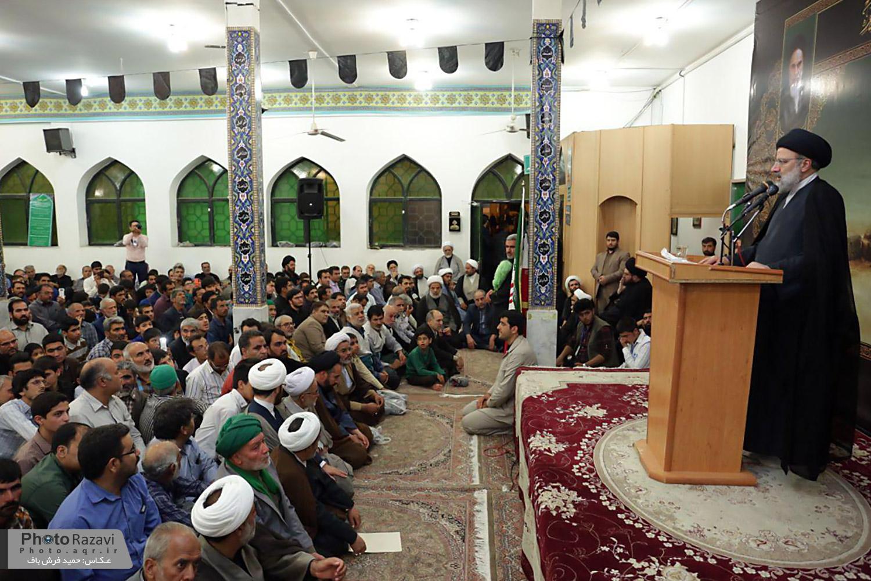گزارش تصویری :سخنرانی حجت الاسلام رئیسی در شب شهادت امام باقر(ع) در بنای باقریه شهرستان بیرجند