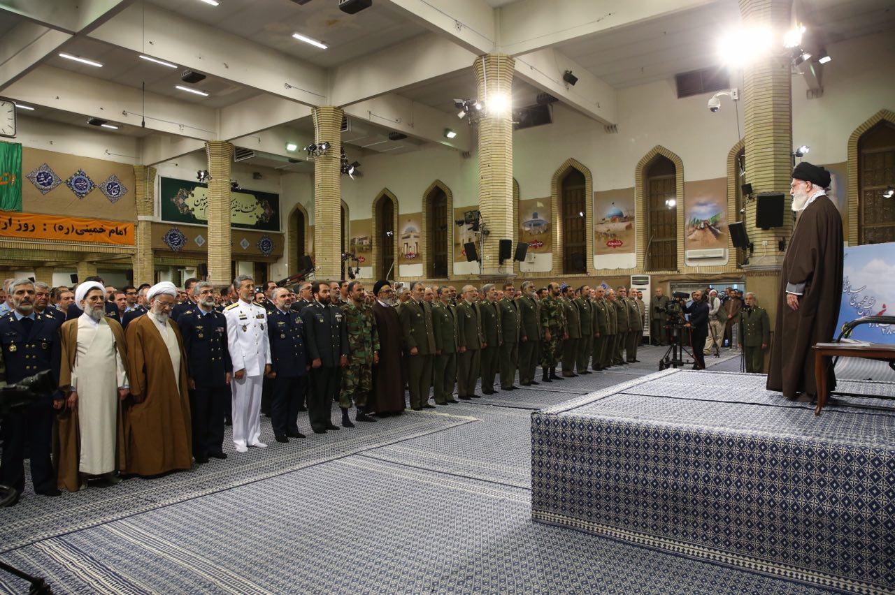 دیدار با ارتش در روز ارتش