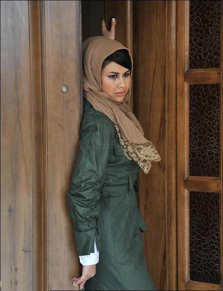 http://bayanbox.ir/view/3897786476887072359/08-Yasmina-Bahar.jpg