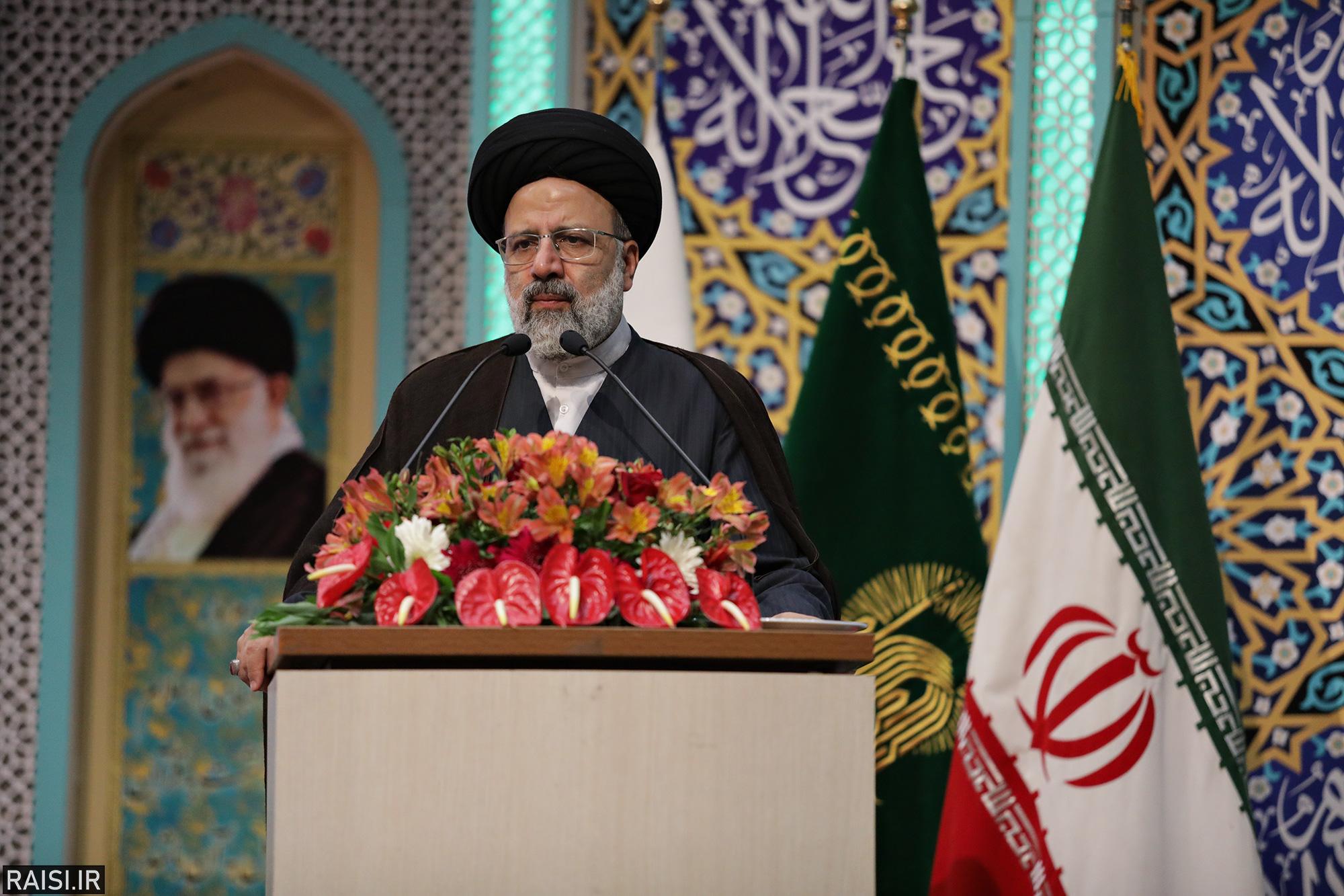 گزارش تصویری سخنرانی تولیت آستان قدس در جمع خادمیاران رضوی استان اصفهان