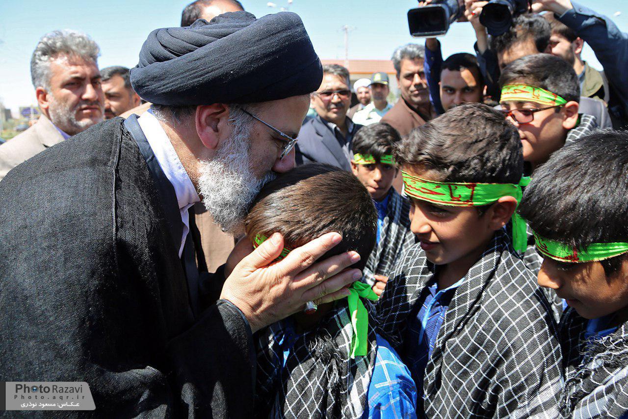 گزارش تصویری: مراسم کلنگ زنی مجتمع فرهنگی درمانی امام رضا(ع) شهرستان نهبندان