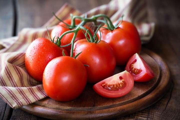 فواید و خواص گوجه فرنگی برای موی سر | تقویت مو با گوجه فرنگی