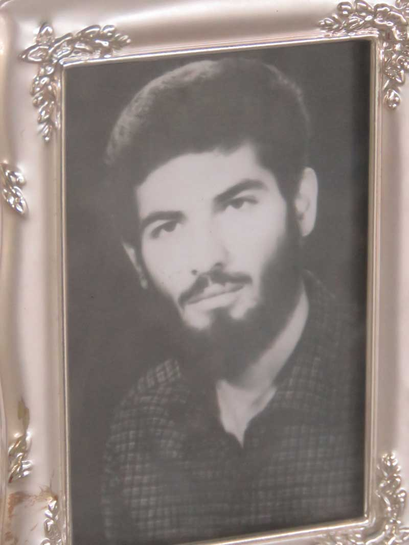 زیارت مزار شهید پوردغائی-علی اصغر