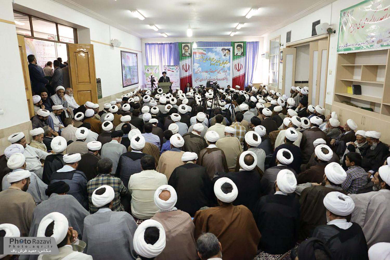 گزارش تصویری: دیدار و سخنرانی حجت الاسلام رئیسی در جمع طلاب و روحانیون خراسان جنوبی