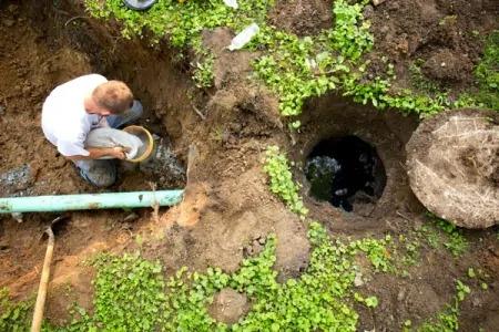 تخلیه چاه به روش چاه کمکی