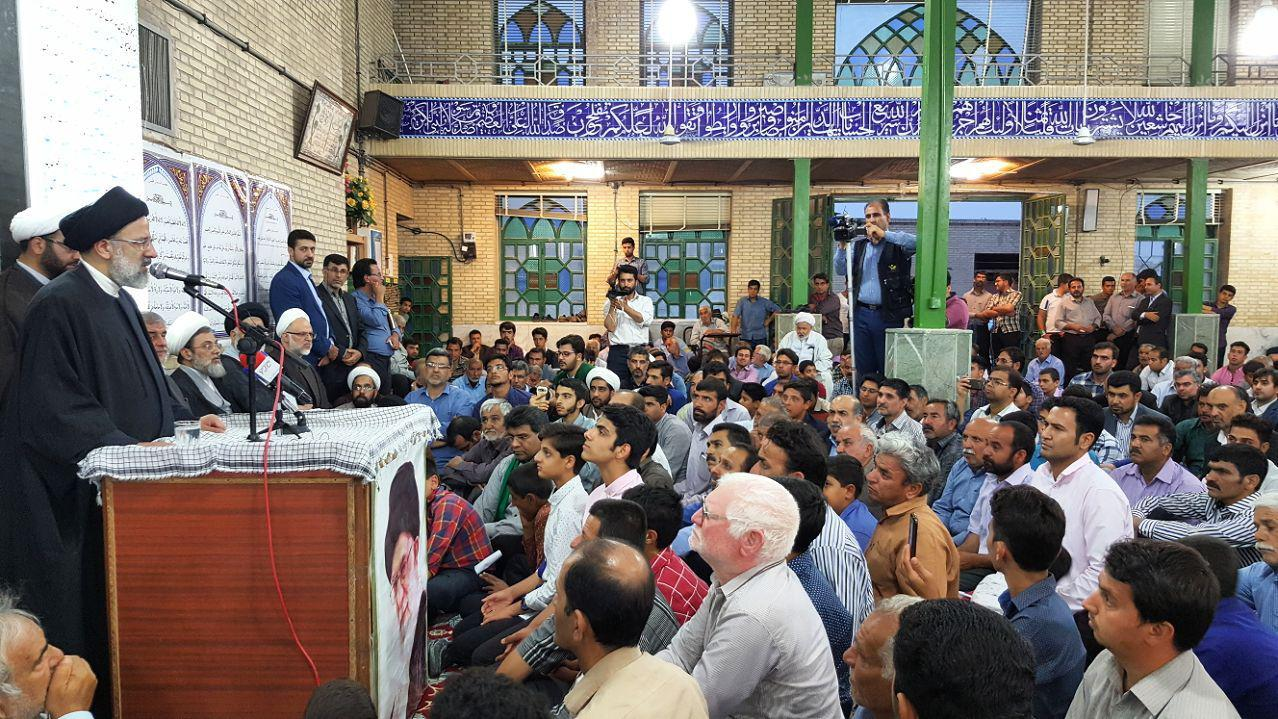 فساد اداری زیبنده نظام مقتدر اسلامی ما نیست