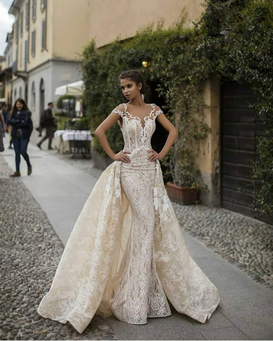 جدیدترین لباس عروس دو دامنه