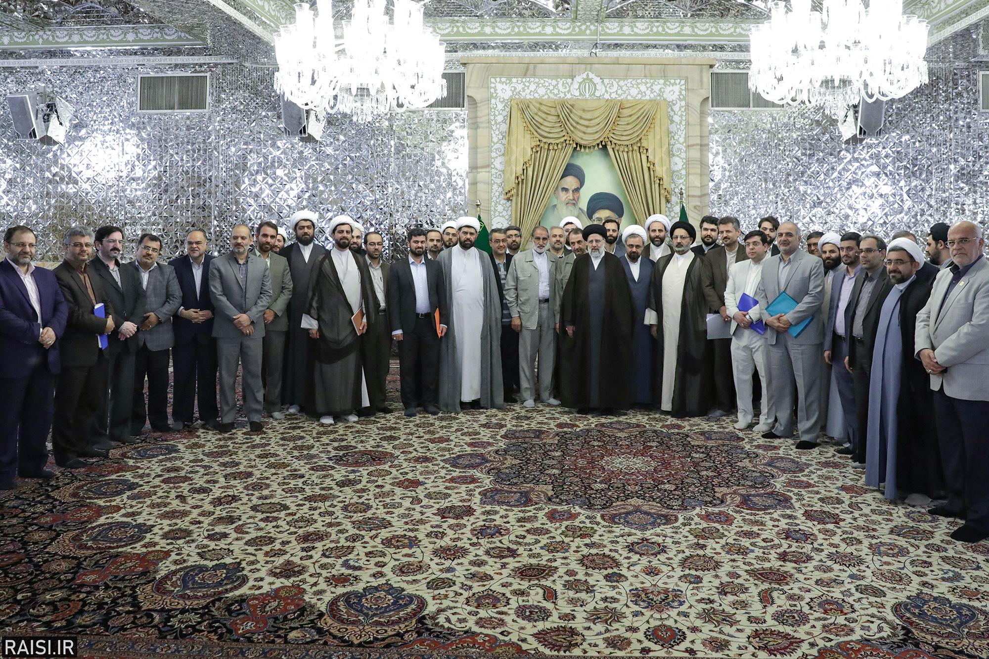نشست نمایندگان شورای هماهنگی جشنهای دهه کرامت در کشور با تولیت آستان قدس رضوی