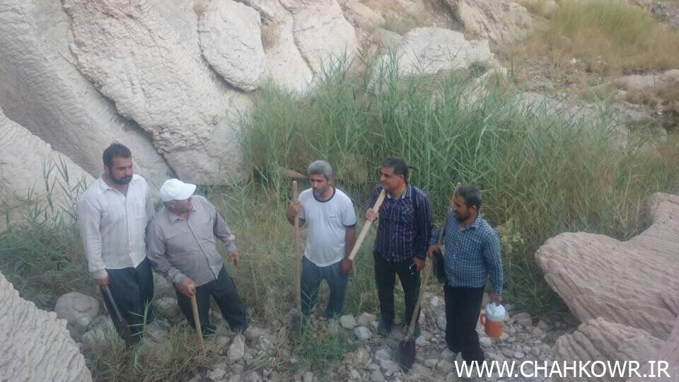 http://bayanbox.ir/view/5041714275911322798/Paksazi-Cheshmeh-Aab-Sorkoo-2.jpg