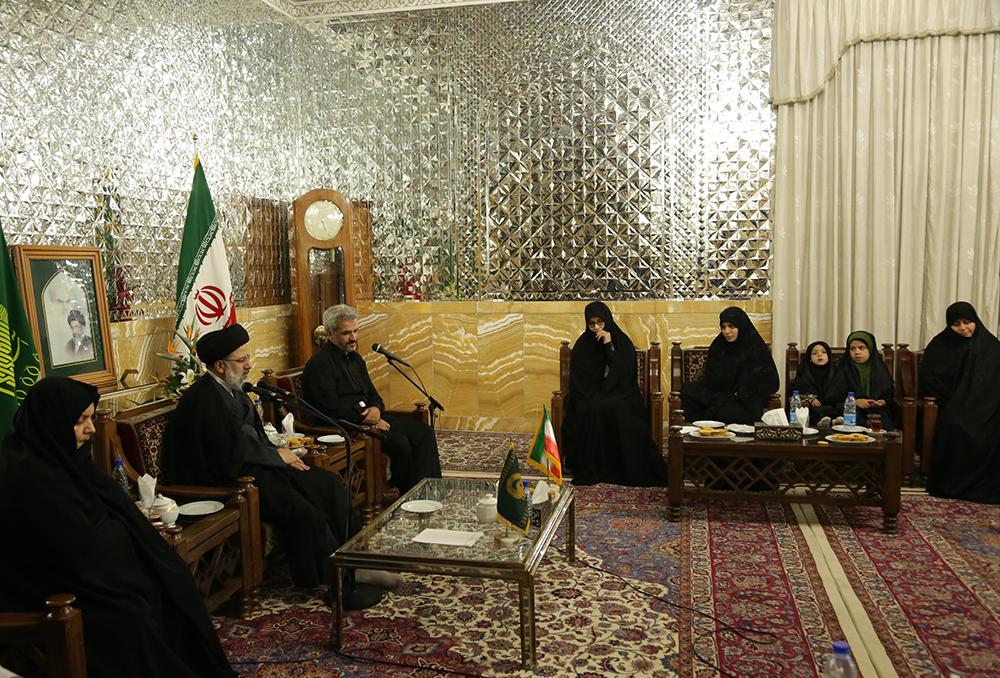 موافقت تولیت آستان قدس رضوی با درخواست همسر و پدر شهیدحججی