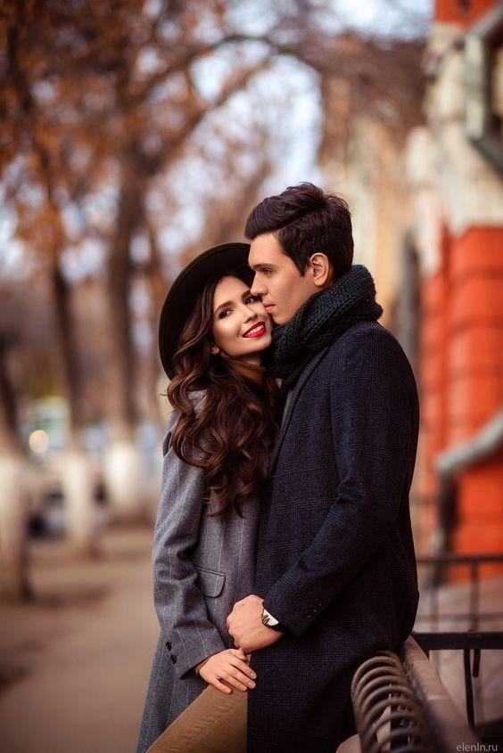 ژست عاشقانه و رومانتیک در پاییز برای پروفایل
