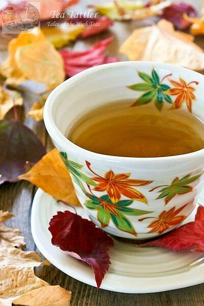 عکس فول اچ دی از فنجان چای در پاییز برای پروفایل