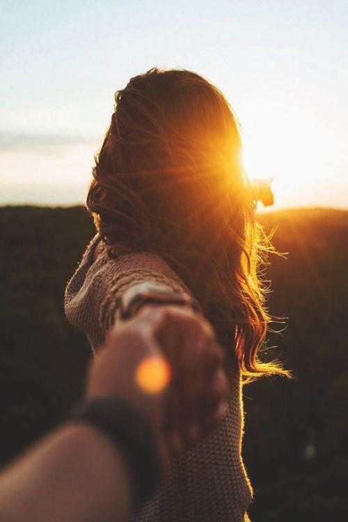 عکس پروفایل دختر از پشت سر در غروب خورشید