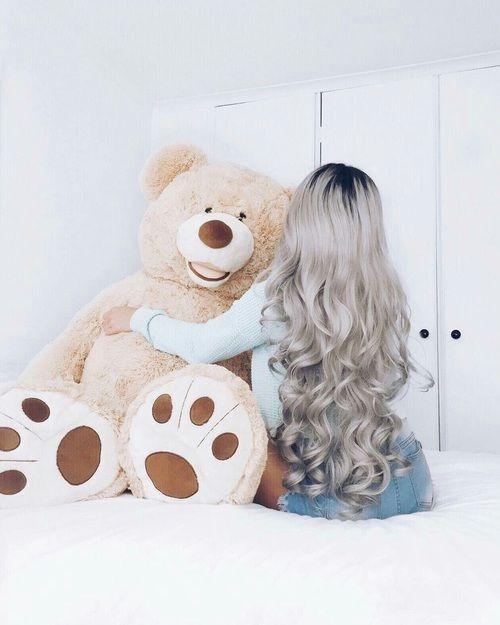 عکس دختر از پشت سر با موهای باز برای پروفایل